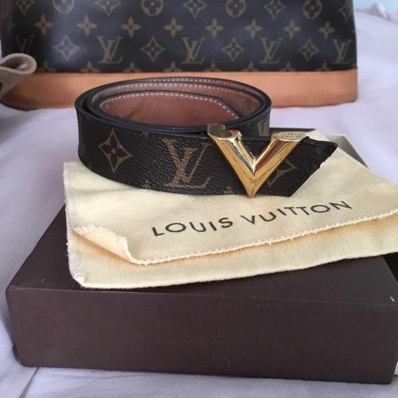 f668184c59c Louis Vuitton Essential V belt 30 mm!